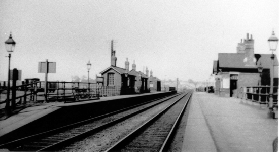 Lifford station 1930 (C. Gilbert)